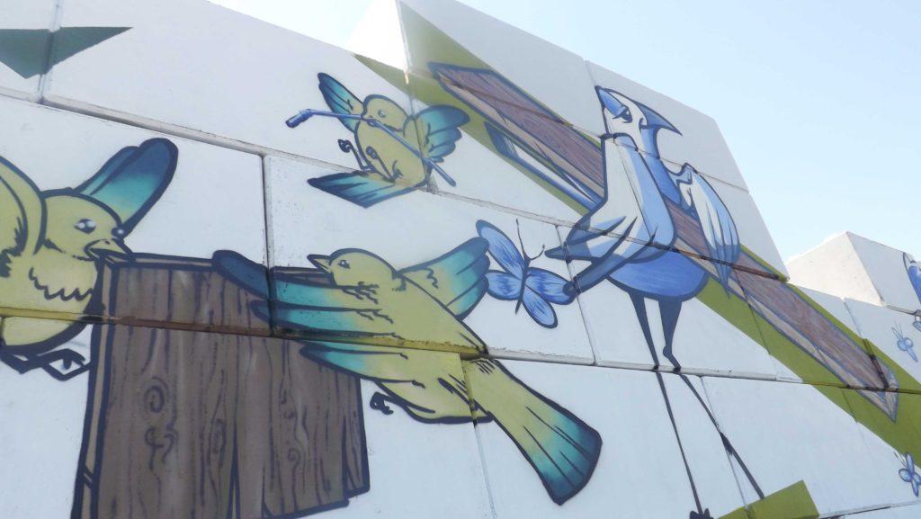 Vue de près de la fresque Valorsol Environnement